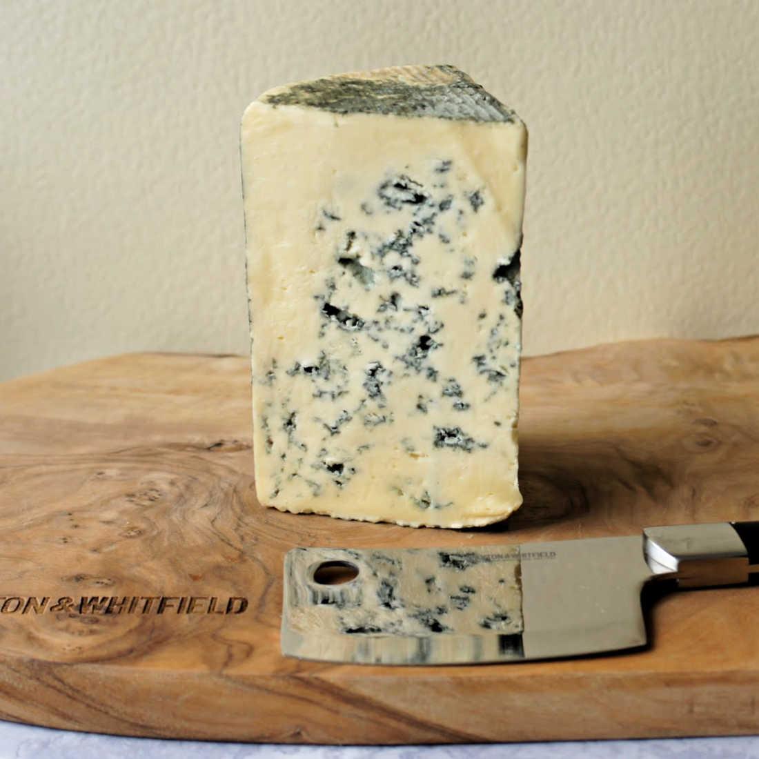 400-Cashel-Blue-Irish-Cheese-Low-Res-Web