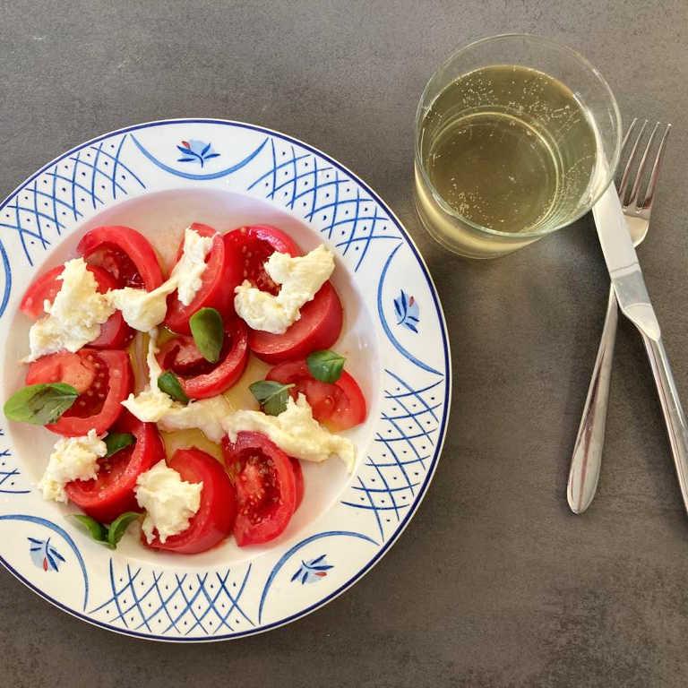 Cheesemaking-Simon-Caprese-Salad-low-res
